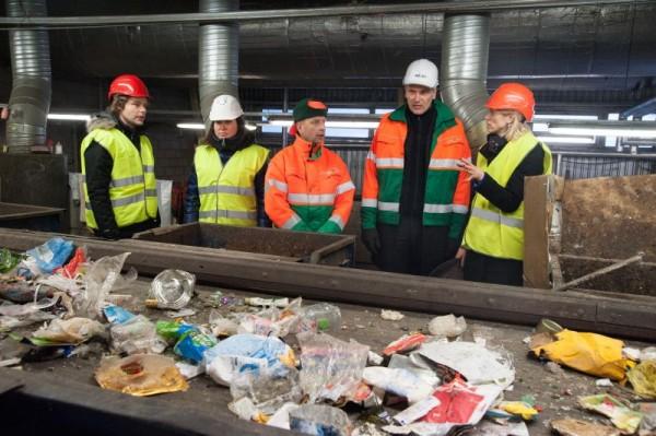 Urve Palo külastas pakendite sorteerimise keskust